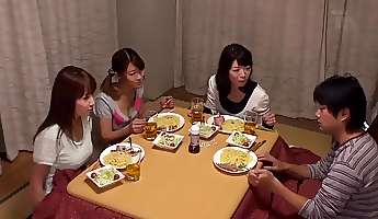 Kotatsu Is The Hangout Of The Sisters Why Do Not You Put In The Room kotatsu Will Hit In The Lottery!