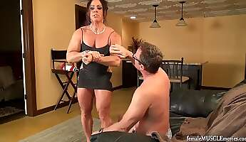 Muscle girl Piped 8