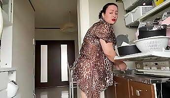 Lavando a louccedila